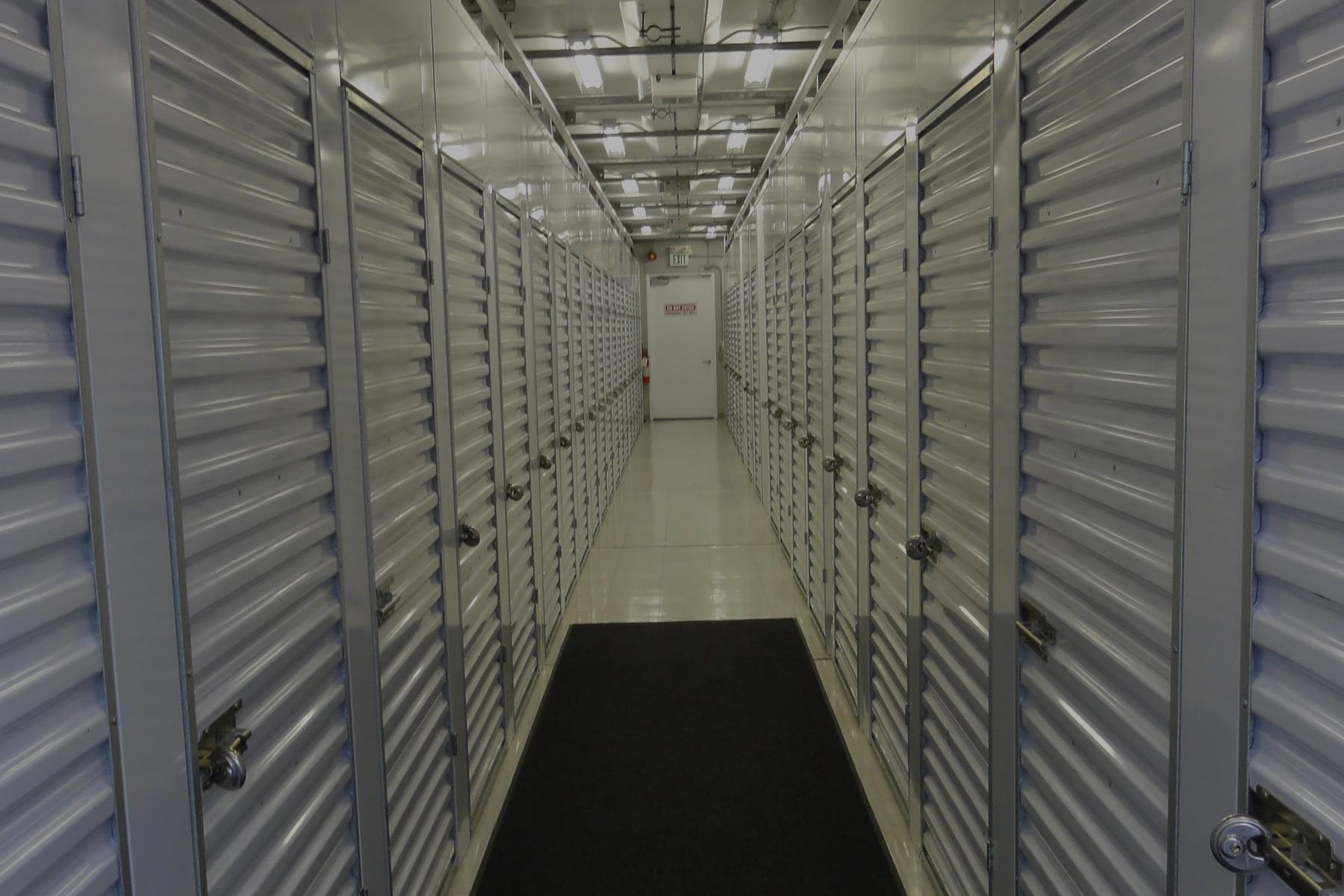 vault-valet-storage-vancouver-locker-hallway-3